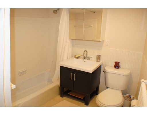 Picture 13 of 41 Park St Unit 107 Brookline Ma 2 Bedroom Condo
