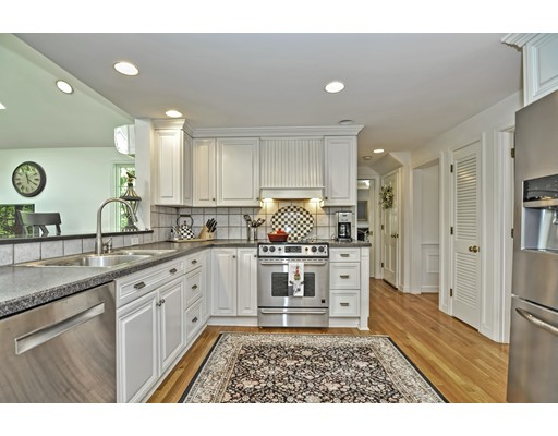 Picture 8 of 14 Fern Way  Bedford Ma 4 Bedroom Single Family