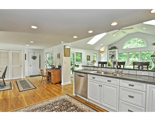 Picture 10 of 14 Fern Way  Bedford Ma 4 Bedroom Single Family