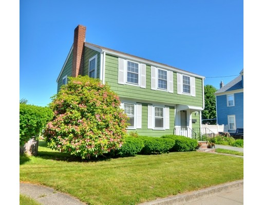 Picture 2 of 124 Davis St  Quincy Ma 3 Bedroom Single Family