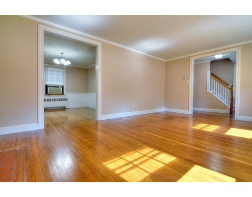 Picture 4 of 124 Davis St  Quincy Ma 3 Bedroom Single Family