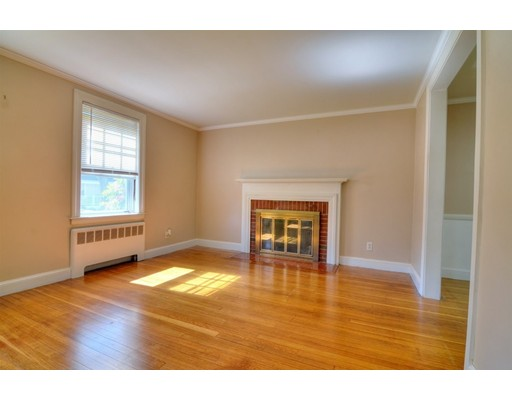 Picture 5 of 124 Davis St  Quincy Ma 3 Bedroom Single Family