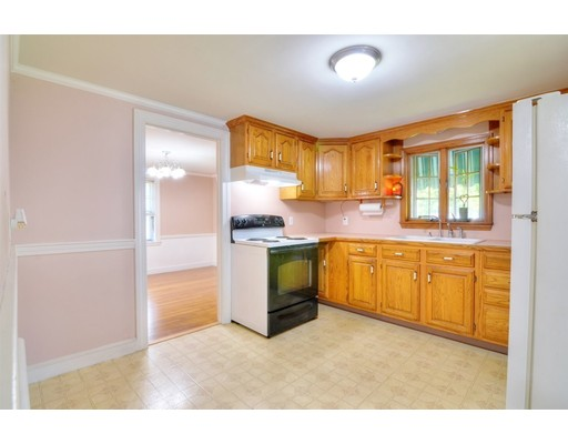 Picture 9 of 124 Davis St  Quincy Ma 3 Bedroom Single Family