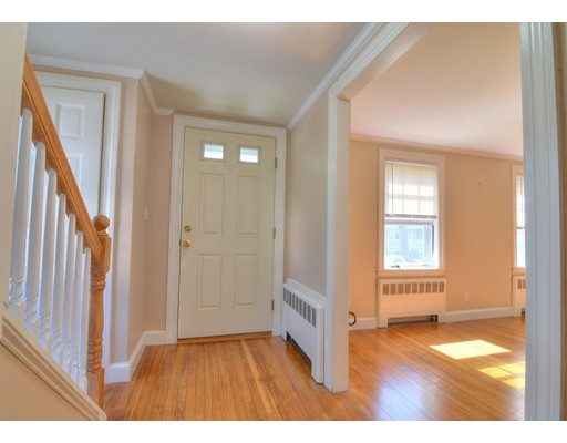 Picture 12 of 124 Davis St  Quincy Ma 3 Bedroom Single Family