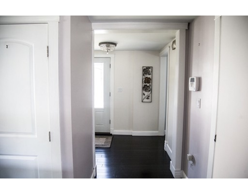 Picture 9 of 66-1-2 Hobart St  Danvers Ma 2 Bedroom Single Family