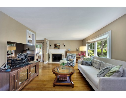 Picture 4 of 66 Newcastle Rd  Belmont Ma 3 Bedroom Single Family