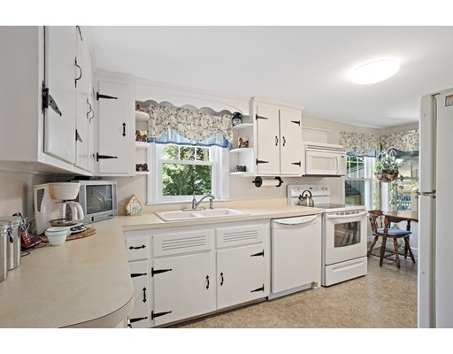 Picture 13 of 11 Linda Rd  Wilmington Ma 3 Bedroom Single Family