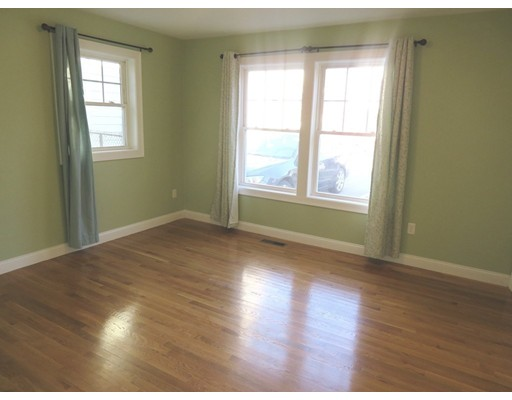 Picture 7 of 112 Washington St Unit 1 Medford Ma 2 Bedroom Condo