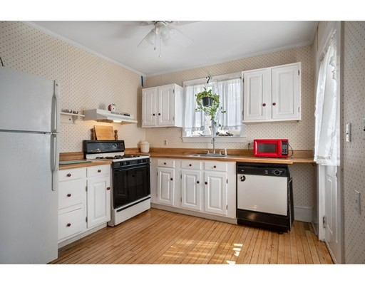 Picture 6 of 30-32 West Dane St  Beverly Ma 4 Bedroom Multi-family