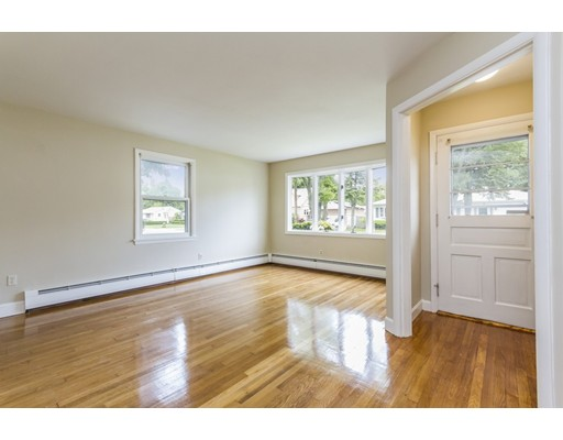 Picture 9 of 4 Anthony St  Methuen Ma 3 Bedroom Single Family
