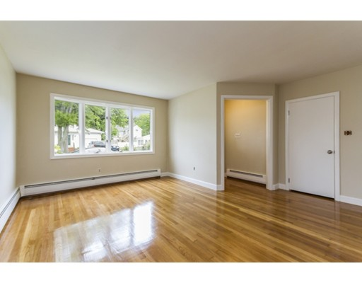 Picture 10 of 4 Anthony St  Methuen Ma 3 Bedroom Single Family