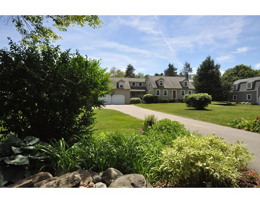 Picture 2 of 116 Davis Rd  Bedford Ma 4 Bedroom Single Family