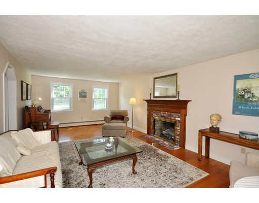Picture 4 of 116 Davis Rd  Bedford Ma 4 Bedroom Single Family