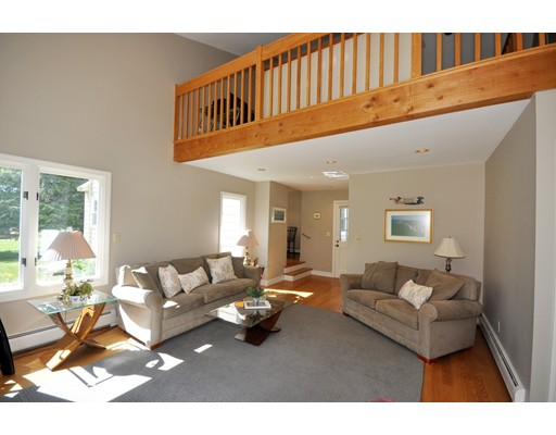 Picture 13 of 116 Davis Rd  Bedford Ma 4 Bedroom Single Family