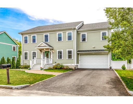 Picture 2 of 3 Chapel Way  Stoneham Ma 4 Bedroom Single Family