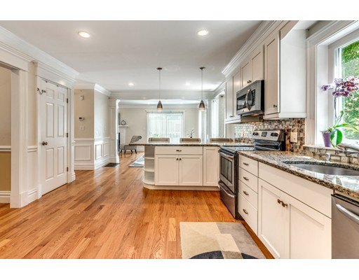 Picture 12 of 3 Chapel Way  Stoneham Ma 4 Bedroom Single Family