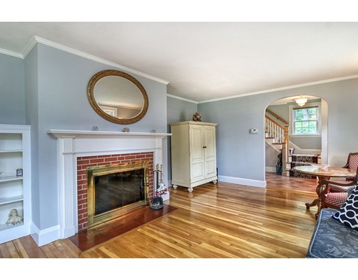 Picture 4 of 114 Youle St  Melrose Ma 4 Bedroom Single Family