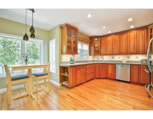 Picture 5 of 1589 Centre St Unit 8 Newton Ma 3 Bedroom Single Family