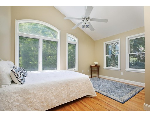 Picture 7 of 1589 Centre St Unit 8 Newton Ma 3 Bedroom Single Family