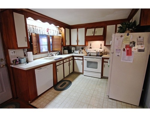 Picture 10 of 20 Fiske Rd  Saugus Ma 3 Bedroom Single Family