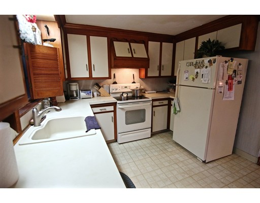Picture 11 of 20 Fiske Rd  Saugus Ma 3 Bedroom Single Family
