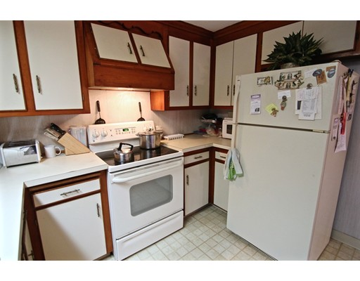 Picture 12 of 20 Fiske Rd  Saugus Ma 3 Bedroom Single Family