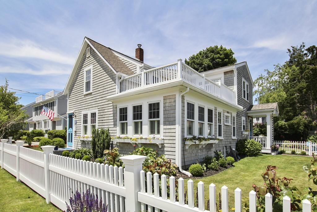 64 Grand Ave, Falmouth, Massachusetts