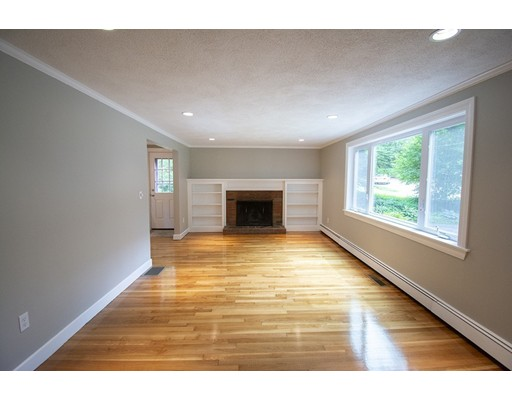 Picture 6 of 8 Scout Hill Lane  Reading Ma 4 Bedroom Single Family