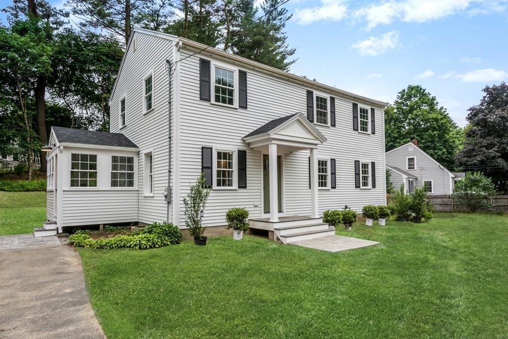 32 Hemlock Rd, Hingham, Massachusetts