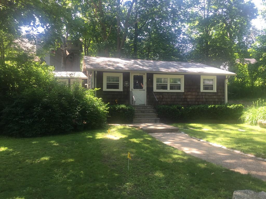 37 Lyndon, Hingham, Massachusetts