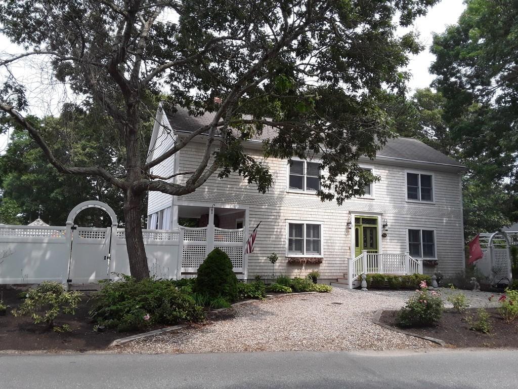 302 Monomoscoy Rd, Mashpee, Massachusetts