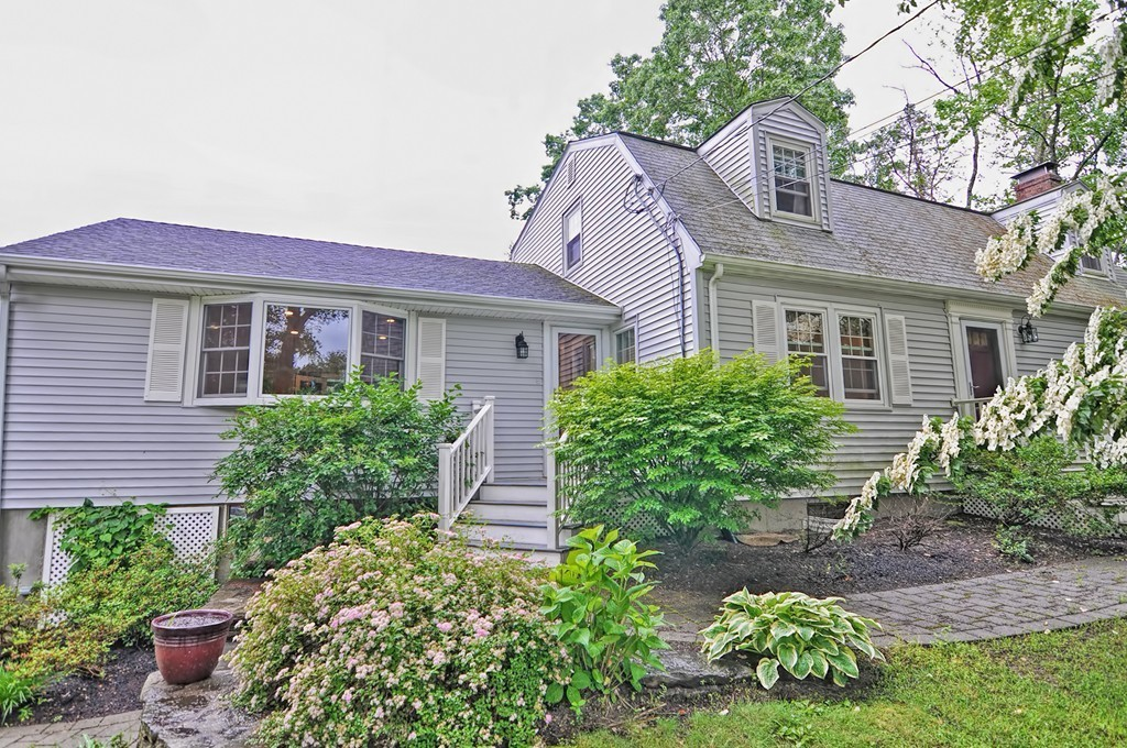 Homes For Sale in Walpole, MA | William Raveis Real Estate
