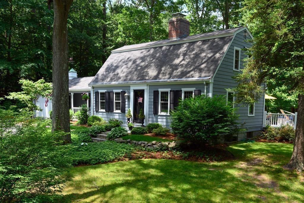 39 Cushing Street, Hingham, Massachusetts