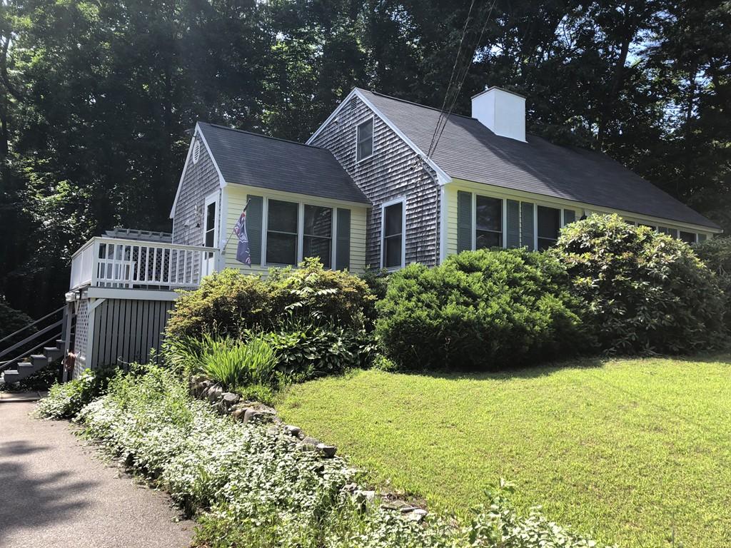 24 Willow Rd, Hanover, Massachusetts