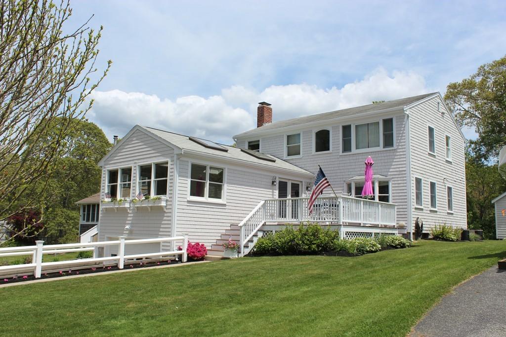 8 Pine Hill Rd, Bourne, Massachusetts