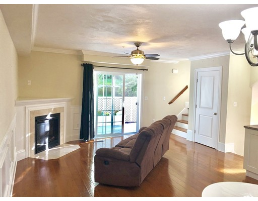 Picture 5 of 44 Town Hill St Unit 3 Quincy Ma 3 Bedroom Condo