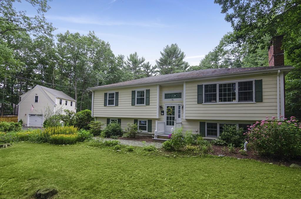 30 Surrey Lane, Duxbury, Massachusetts