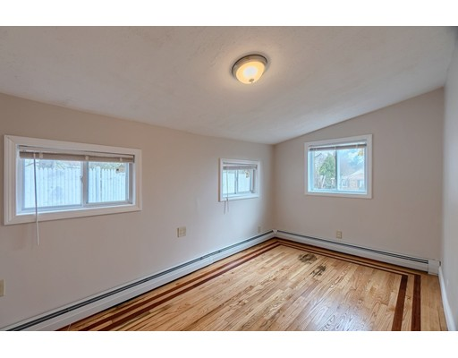 Picture 7 of 5 Norman St  Dracut Ma 4 Bedroom Single Family
