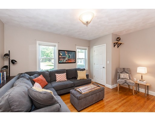Picture 5 of 7 Pine St  Stoneham Ma 2 Bedroom Single Family