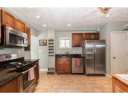 Picture 9 of 7 Pine St  Stoneham Ma 2 Bedroom Single Family