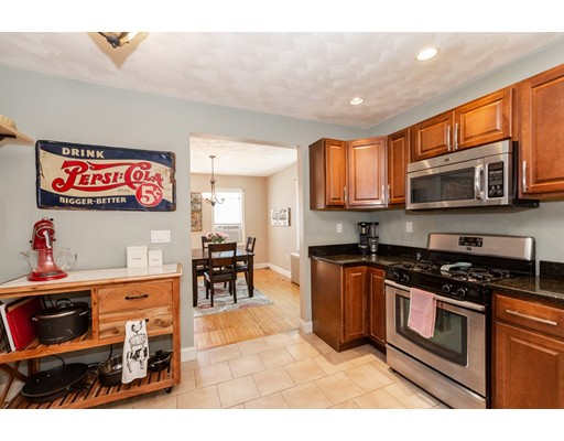 Picture 11 of 7 Pine St  Stoneham Ma 2 Bedroom Single Family