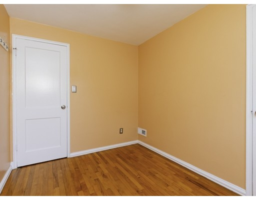 Picture 13 of 83 Carroll St Unit 83 Watertown Ma 3 Bedroom Condo