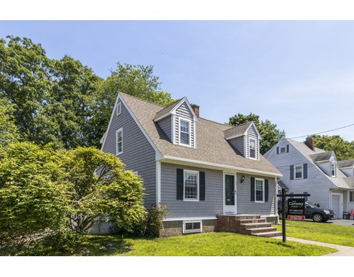 Picture 2 of 47 Courtland Circle  Milton Ma 3 Bedroom Single Family