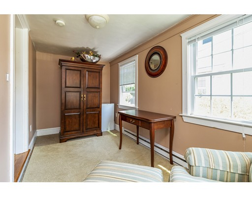 Picture 11 of 47 Courtland Circle  Milton Ma 3 Bedroom Single Family