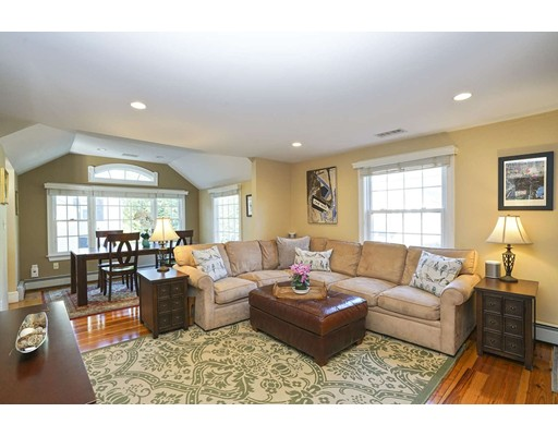 Picture 4 of 20 Manning St  Lexington Ma 3 Bedroom Single Family