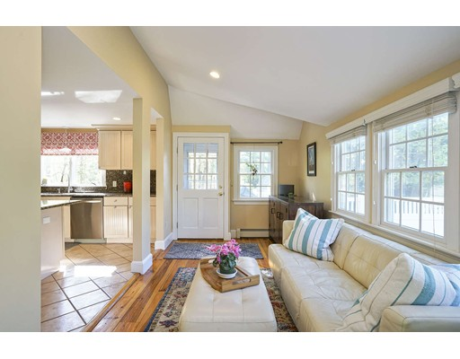 Picture 7 of 20 Manning St  Lexington Ma 3 Bedroom Single Family
