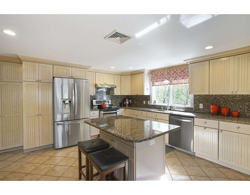 Picture 9 of 20 Manning St  Lexington Ma 3 Bedroom Single Family