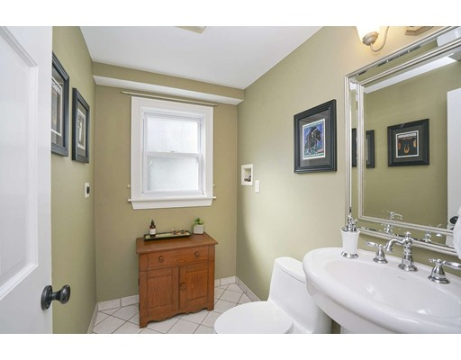 Picture 11 of 20 Manning St  Lexington Ma 3 Bedroom Single Family