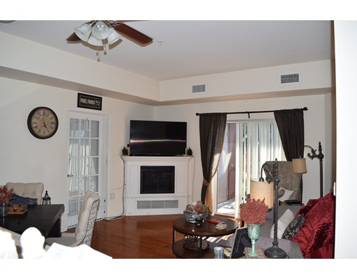 Picture 2 of 38 Village Rd Unit 407 Middleton Ma 1 Bedroom Condo