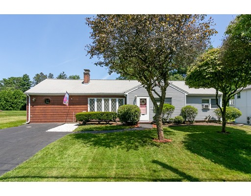 Picture 1 of 15 Kinsman Pl  Natick Ma  3 Bedroom Single Family#